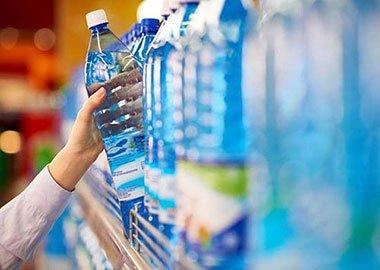 نوشیدن آب دیونیزه